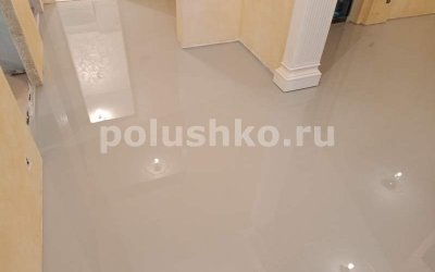 полимерный пол серый в квартире
