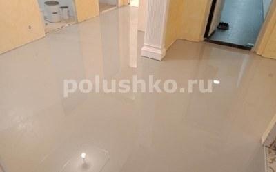 серый наливной пол в квартире