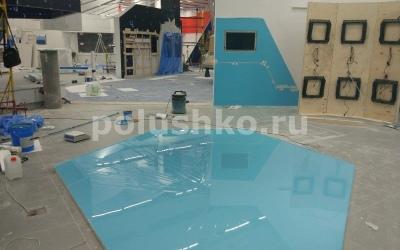 Бирюзовый наливной пол полимерный в павильоне Умный город, ВДНХ
