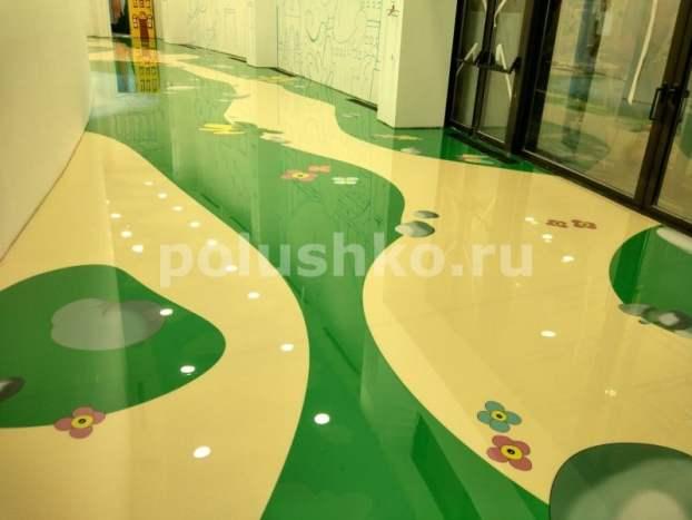 Наливной пол с рисунком в детском клубе гостиницы Мрия (Ялта, Крым)