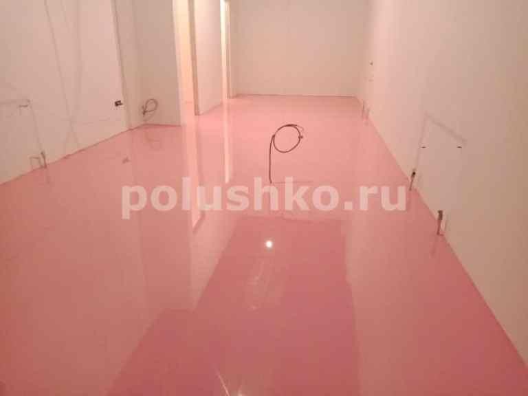 заливной пол розового цвета
