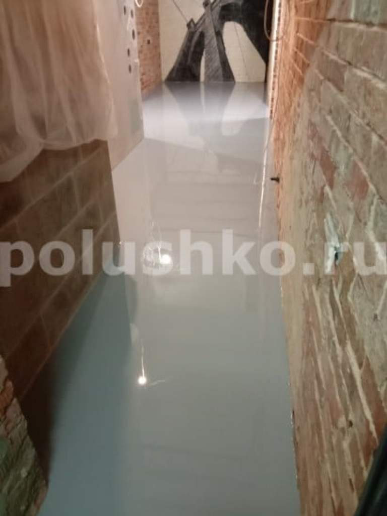 Наливной пол в квартире лофт